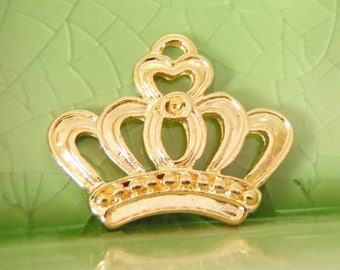 20 bright gold crown charms pendants queen king princess castle royal fantasy fairytale story book Once Upon a Time 22mm x 18mm - C1031-20