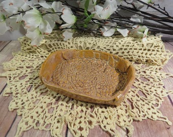 Crocheted Doily soap dish (brown)