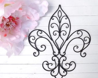 ON SALE Metal Fleur de lis Wall Decor / Shabby Chic Home / Black Wall Decor / Wrought Iron / Bedroom Wall Decor / Kitchen Decor