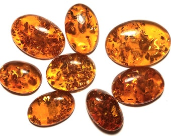 Lot of 8 amber cabochons