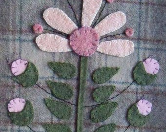 Felted Wool Applique Quilt Block Penny Rug Candle Mat