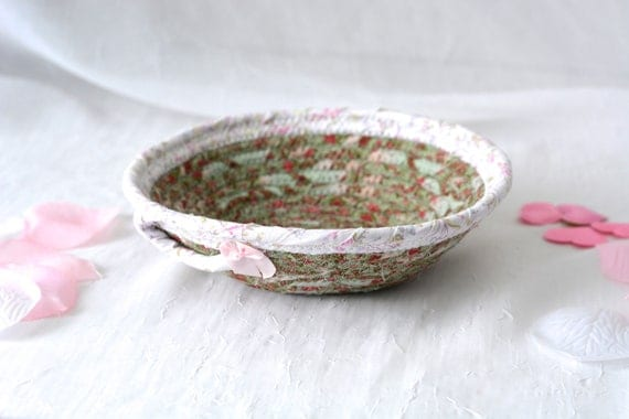 Shabby Chic Basket, Handmade Candy Dish Bowl, Shabby Chic Key Basket, Ring Dish Bowl, Green Desk Accessory, Easter Basket