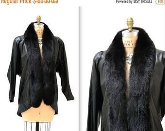 SALE Vintage Black Leather Jacket Coat with Fur Collar size Small Medium// Vintage Fox Fur and Leather Jacket