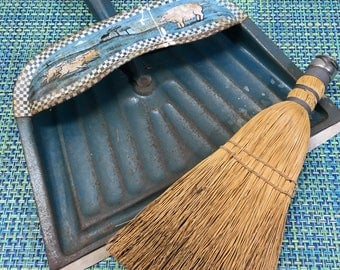 RARE Vintage JV Reed Louisville Blue Metal Dustpan w/ Pig Stencil and Whisk Broom- vintage garden, vintage dustpan, JV Reed, rustic decor