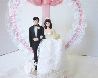 Wedding, Cake Topper, Vintage Wedding, Cake Decoration, Pink, White Lace, Vintage cake topper,  Heart , Plastic Dome