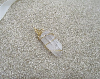 quartz wrapped with gold wire