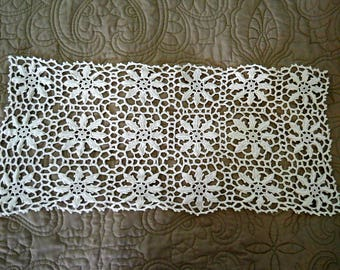 "Vintage Handmade Rectangle Crochet Lace Cotton Doily/Scarf ~ Off-White 20"" x 10""   Circa 1930s/1940s"