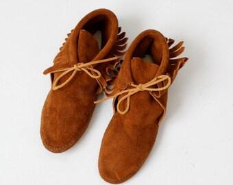 vintage Minnetonka Moccasins, suede fringe ankle boot size 8