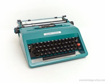 Vintage Olivetti Studio 45 w Case / Working Typewriter / Teal Turquoise / Near Mint Condition