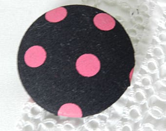 Black fabric with pink polka dots, 40 mm 1.57 in button