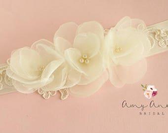 Ivory Organza and Lace Bridal Sash, Ivory Organza Wedding Belt, Cream Belt with Lace, Ivory Lace and Organza Bridal Sash