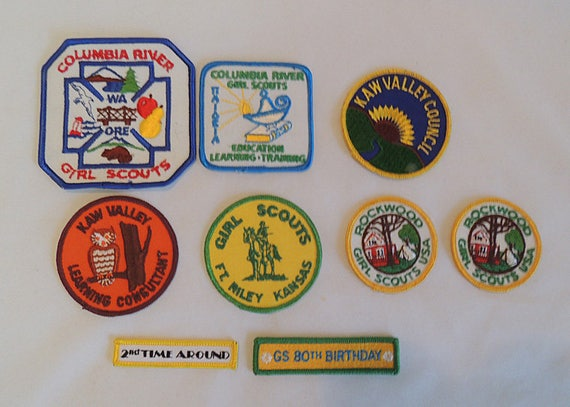 9 vintage 1970's-90s Girl Scout Patches.. Columbia R., Kaw Valley + More (Lot #2)