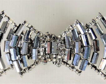 Faceted Metallic Silver Bow Tie Brooch Vendome