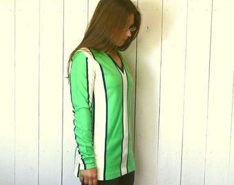 34% Off Sale - Striped Tunic Top 1960s Super Mini Dress Vintage Green White Knit V-Neck Hippie Mod Go-Go Style Medium