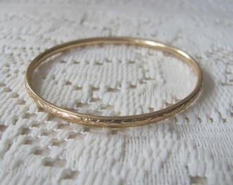 Vintage 14k Gold Bangle Bracelet Bead Edges Relief Florals