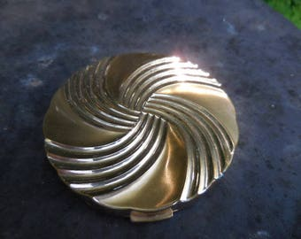 Vintage 1950s to 1960s Gold Tone Swirl Max Factor Hollywood Metal Powder Compact Empty Retro Mirror Round Ladies Accessory Collectible