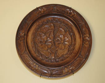 "Vintage Carved Wooden Plate Flowers Floral Design 8 1/2"" Wall Hanger Included"