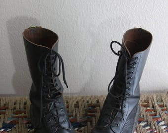 SALE vintage tall distressed Dr Martens Boots - size 5