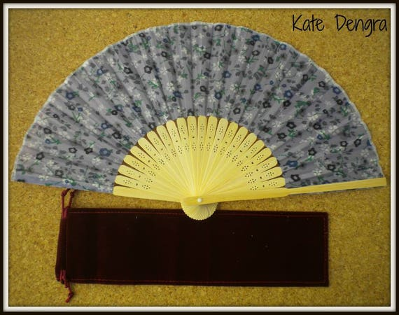 Lilac Floral Lightweight Bamboo Hand Fan Budget Price Folding Fan from Spain