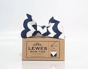 Men's self tie bow tie navy blue and white graphic print, navy blue and white wavy stripes self tie bow tie, nautical wedding bow tie