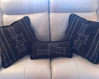 Set of 3 one of a kind accent pillows (Reversable)