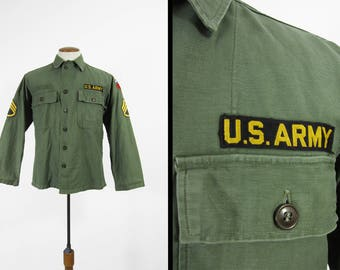 Vintage 50s US Army Shirt Korean War Insignia Fatigues Military Sateen - Size Small