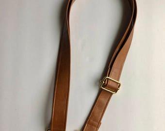Add-on Crossbody faux leather caramel brown strap