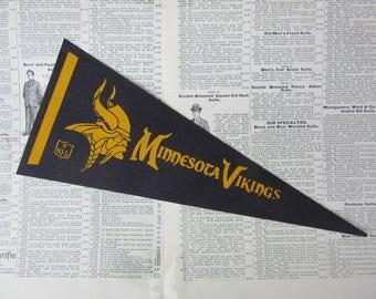 Vintage Minnesota Vikings Football Pennant 1970s Era Small 12 Inch Aged  Mini Felt Pennant Banner Flag Vintage NFL Display Sports