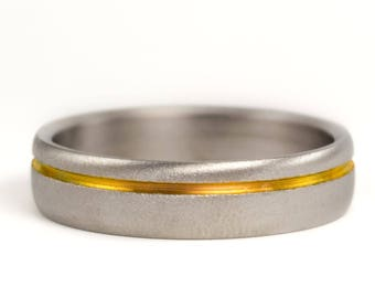 Men's sandblasted titanium ring with anodized golden inlay. Modern wedding band. Water resistant and hypoallergenic (00019_6N)