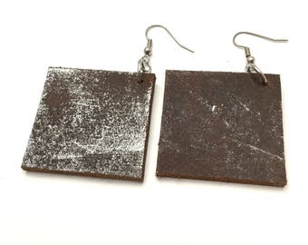 Distressed Silver Painted Brown Round Leather Earrings