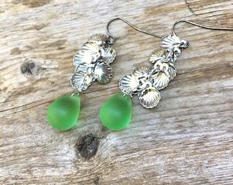 Green Earrings, Czech Teardrop earrings,long dangles  by Lyrisgems
