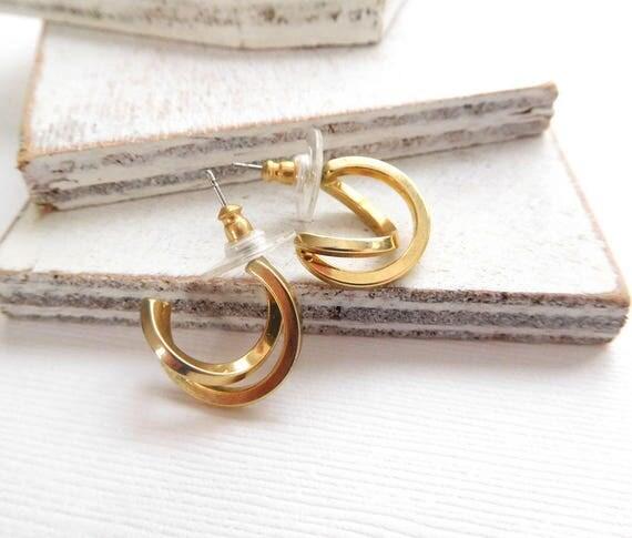 Retro Polished Gold Tone Crossed Double Hoop Modernist Earrings N10