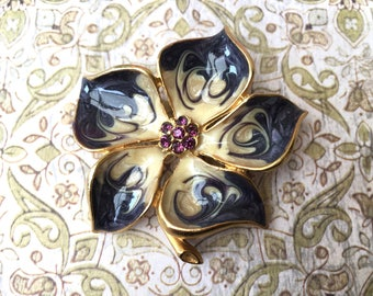 Pretty Vintage Enameled Flower Brooch with Jeweled Center