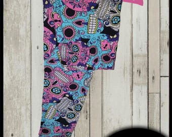 Amazing Buttery Soft Leggings (Sugar Skulls) One Size 2-12