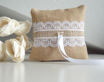 Natural burlap ring pillow, ring cushion, ring bearer pillow with lace decoration, country wedding