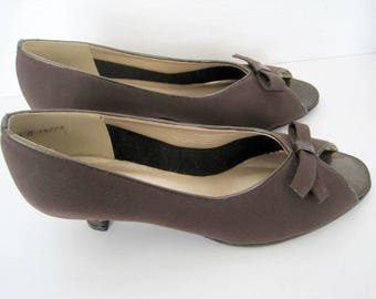 Magdesians Brown Shoes,  Brown Suede USA, Open Peek Toe, NOS Size 8M, Original Box
