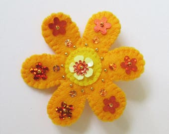 Boho felt flower brooch, felt flower brooch, boho jewelry, handmade brooch, flower pin, flower jewelry, yellow  flower brooch, festival wear