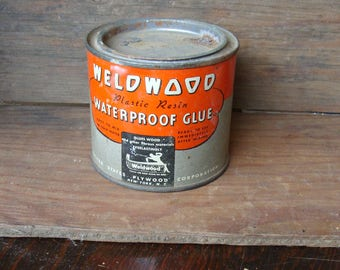 Vintage Welwood Plastic Resin Waterproof Glue 8 oz. Metal Can, Full, and Great Graphics!