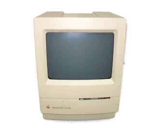 Apple Macintosh Classic Model M0420 Desktop Vintage Compact Computer