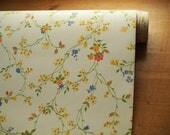Vintage Ditsy Floral Wallpaper