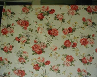 Vintage Floral Print Oval Tablecloth, Pink And Red Roses With Green Leaves,  63 X