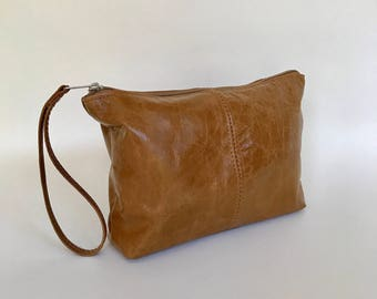Distressed Brown Leather Clutch Bag with Wrist Strap, Fashion Wristlet, Trendy Pouch, Weekend Purse, Cosmetic Bag, Cosmos
