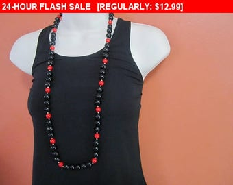 Red and black beaded necklace, statement necklace, hippie, boho, estate jewelry