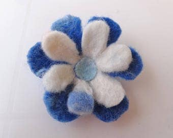 Brooch: flower felted Merino white and blue.