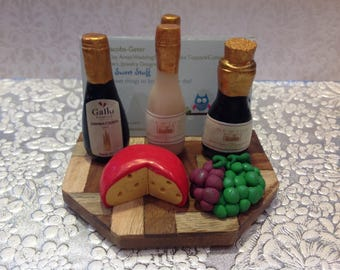 Polymer clay business card holder,3-d business card holder,wine,cheese,grapes,business,desk accessories,polymer clay,handmade