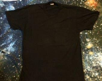Vintage Fruit of the Loom Brand Plain Black Pocket T-Shirt