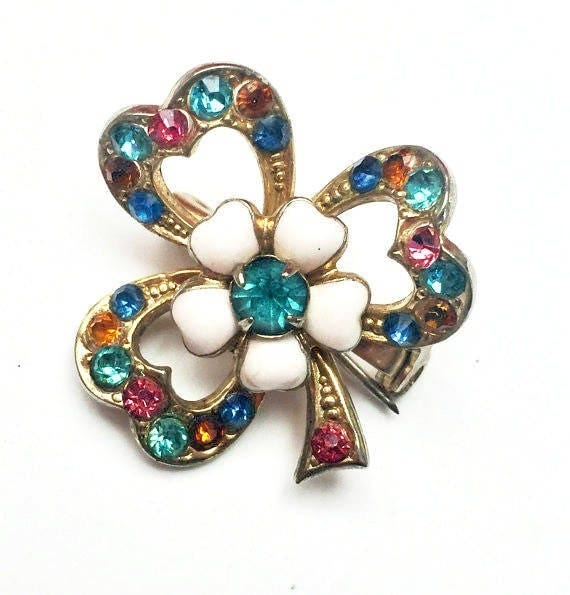 Clover leaf Brooch  - Signed Coro - Pink Blue Rhinestone - Milk Glass - gold plated - Mid Century Shamrock pin