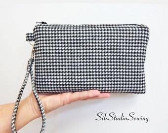 "Checks Smartphone Clutch, 9 x 5.5 inches, Fits iPhone 6 & 6 Plus, Smartphones up to 7"" Length, Interior Pockets, Black and White Wool Purse"