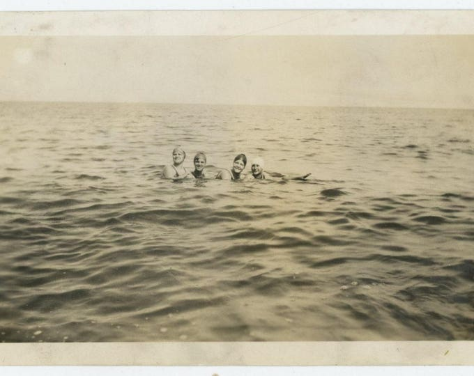 Vintage Snapshot Photo: Swimmers, c1930s (81635)