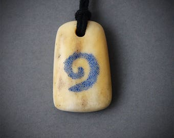 Hearthstone necklace, Hearthstone pendant, Hearthstone jewelry, Hearthstone card, Spiral necklace, Antler necklace, Antler pendant, Antler